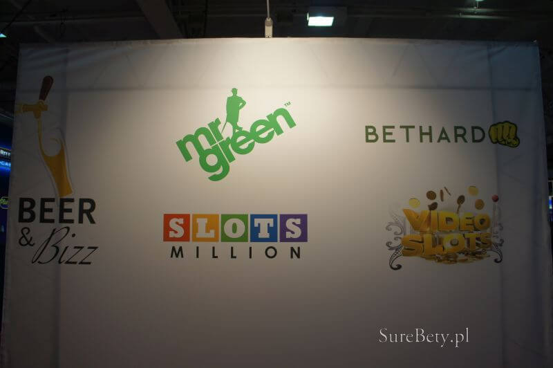 24-mr-green-logo.jpg