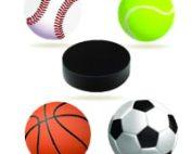 Piłka do baseballa tenisa koszykówki i piłki nożnej oraz krążek do hokeja w środku między nimi