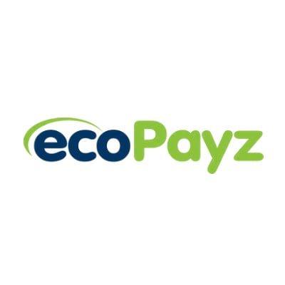 Granatowy napis eco nakryty zieloną fajką i zielony napis Payz na białym tle